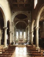 Кладбище San Michele - Внутреннее пространство с хором