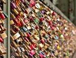 В Венеции ввели штрафы за развешивание «замочков любви»